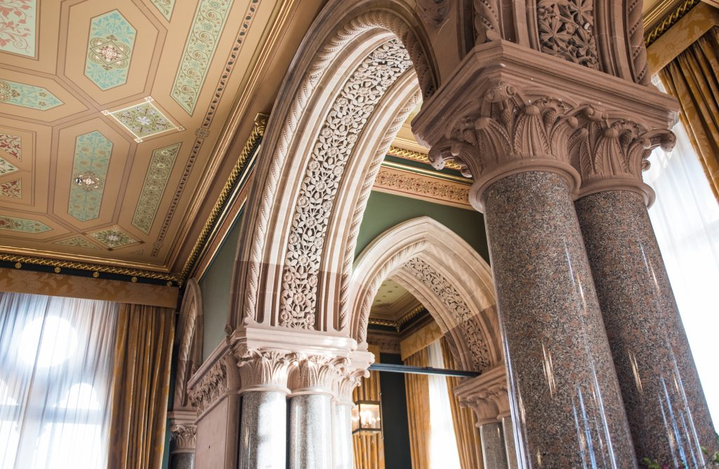 St Pancras Renaissance Hotel London. candid wedding photographer